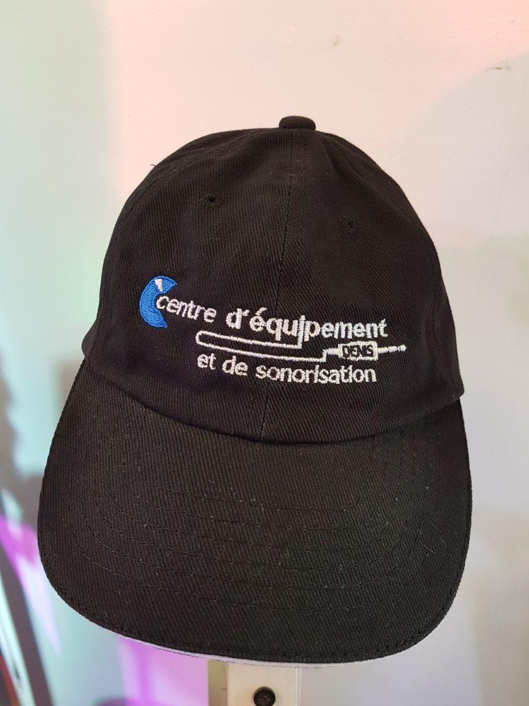 Voici notre casquette en prime du tirage.
